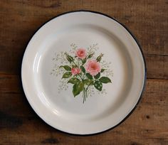 Vintage Enamelware Plate - Rose Bouquet with Black Trim I had a lamp that had this same rose pattern on it!!  Lost it in the move???