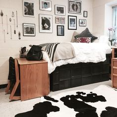 Here's another fabulous look for a dorm room! Black and white cowhides can be purchased at hugohides.com for under $300. That would make for one unique graduation gift! #hugohides #dormrug #dormdecor #cowhiderug
