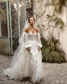 195 of our favorite wedding gown trends – page 1 Dream Wedding Dresses, Bridal Dresses, Wedding Gowns, Fairy Wedding Dress, Wedding Menu, Wedding Ideas, Fit And Flair, Sunny Dress, Dream Dress