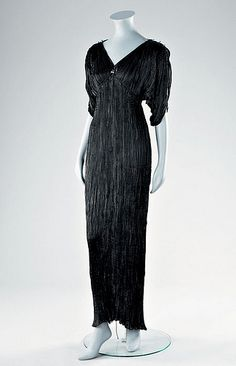 Mariano Fortuny, Black silk Delphos gown, 1920