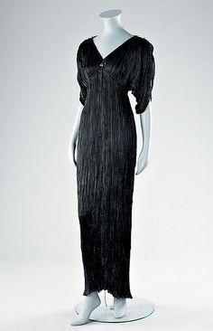 Mariano Fortuny, Black silk Delphos gown, 1920