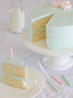 One Bowl Vanilla Cake with Quick Vanilla Buttercream Frosting | The Cake Merchant