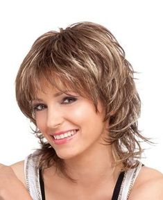 Los cortes de pelo hasta los hombros ,son muy sexys y juveniles,son populares en el 2017,se llevan degrafildos,haciendo notable la asimetr... Womens Wigs, Wig Hairstyles, Medium Hair Cuts, Short Hair Cuts, Medium Hair Styles, Curly Hair Styles, Short Shaggy Haircuts, Layered Hair, Hair Pictures