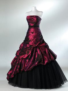 Shop for prom and formal dresses at PromGirl. Formal dresses for prom, homecoming party dresses, special occasion dresses, designer prom gowns. Unusual Wedding Dresses, Indian Wedding Gowns, Ball Dresses, Ball Gowns, Prom Dresses, Black Quinceanera Dresses, Most Expensive Dress, Masquerade Dresses, Masquerade Ball