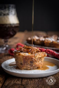 Overnight Maple Beer Pecan Croissant Bread Pudding Muffins l The Beeroness Bread Pudding With Croissants, Croissant Bread, Mug Recipes, Cupcake Recipes, Muffin Recipes, Bread Recipes, Baking With Beer, Sicilian Recipes, Sicilian Food