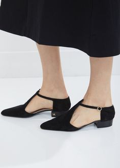 f618aeba00 303 Best Shoes images in 2019 | Boots, Beautiful shoes, Flat shoes