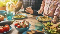 Just in time for back to BUSY - tips and strategies for family meals! Read the article and download the freebie.