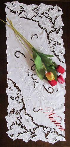 nurten  kuşçu   cutwork embroidery tablecloth - embroidery - nakış - delik işi nakış - beyaz iş nakış