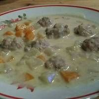 Bratwurst Stew When we went shopping, BF picked out bratwursts that were on sale, so we split them up and froze them and I decided I wanted to try to cook them because I hadn't before. But, of course,. Bratwurst, Cheeseburger Chowder, Stew, Mashed Potatoes, Nom Nom, Frozen, Cooking Recipes, Chicken, Ethnic Recipes