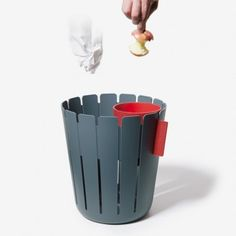 Great design for easy composting at the office. Smart Design, Creative Design, Dual System, Plastic Bins, Trash Bins, Deco, Minimalist Design, Furniture Design, Smart Furniture