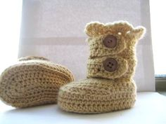 Classic Crochet Snow Boots #diy #craft #crochetpatter