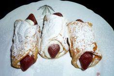 smažené trubičky cannoli | recept Cannoli, Ricotta, French Toast, Sweet Treats, Breakfast, Food, Russian Recipes, Polish, Morning Coffee
