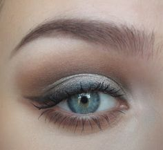 Urban Decay Naked Palette Sultry Eyes Tutorial by love thing Pretty Makeup, Love Makeup, Makeup Tips, Beauty Makeup, Makeup Looks, Hair Beauty, Makeup Ideas, Naked Palette, Eyeshadow Palette