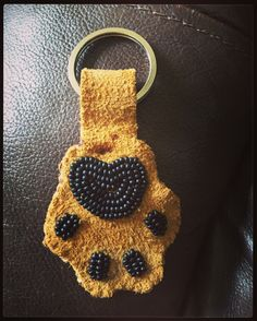 Beadwork paw keychain