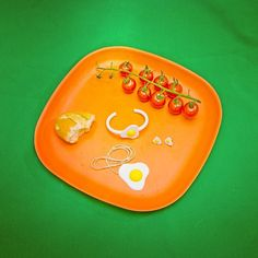 #fresh #breakfast ! ... #complete #biodegradable #jewelry #collection served to #you on #biodegradable #plate ... This time #egg #theme !!! ... #designed and #manufactured by #me ... #printed by #prusai3 using #PLA #filament ... #3dprint #3dprinter #3dprinting #astroprint #josefprusa #diy #autodesk #123d ... Available on #thingiverse - look for butch cowich ... @freshlabels #objeveno #freshlabels #biobu #ekobo by butch_cowich
