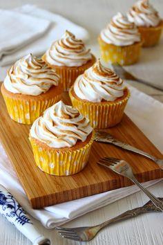 Zoet & Verleidelijk: Citroen meringue cupcakes