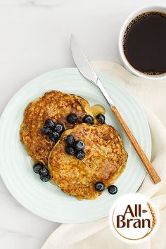 banana pancakes ______ all-bran buds® cereal + eggs + banana + butter Dinner Recipes For Kids, Healthy Dinner Recipes, Kids Meals, Breakfast Recipes, Diet Breakfast, Breakfast Ideas, Crepes And Waffles, Banana Pancakes, Cereal Recipes