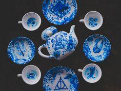 BEAUTIFUL Harry Potter tea set. I want!!!!