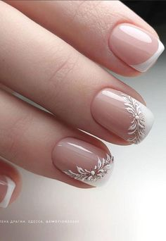 nail art So in order for fairies to see more real short nails,Lily specially arranged a group of really short nails today, basically the same length as many short nails of girls. Chic Nails, Stylish Nails, Trendy Nails, Nails Today, Nagellack Design, Short Square Nails, Bridal Nail Art, Bride Nails, Short Nails Art