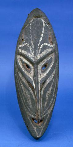 Mask  Papua New Guinea, Middle Sepik Region, Tambanum Village  Iatmul people  20th c.    The University of Missouri