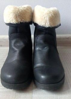 Kup mój przedmiot na #vintedpl http://www.vinted.pl/damskie-obuwie/botki/15294611-czarne-buty-na-zime-cieply-kozuch