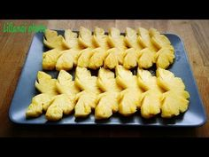 How to cut a pineapple # How to cut pineapple . Cooked Pineapple, Pineapple Fruit, Cute Snacks, Cute Food, Fruit Presentation, Deco Fruit, Fruit Garnish, Cut Watermelon, Fruit Carvings