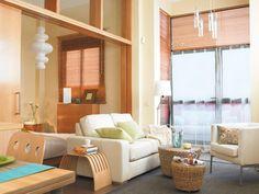 Gracias a la doble altura de los techos, en este apartamento se pudo ganar un dormitorio instalándolo en una plataforma volada que se levantó sobre el techo de la cocina.