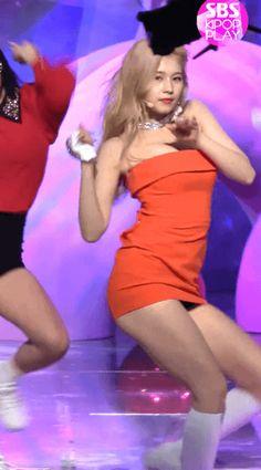 사나 오렌지 원피스 Sana Orange One Piece Korean Beauty Girls, Cute Korean Girl, Cute Asian Girls, I Love Girls, Beautiful Asian Girls, South Korean Girls, Asian Beauty, Jihyo Twice, Sana Minatozaki