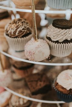 Enormous balloons, vintage cars, outdoor installations, endless sweet treats - this Cloughjordan House wedding has it all! Wedding Cake Alternatives, Traditional Wedding Cake, Cakes And More, Macaroons, Delicious Desserts, Wedding Cakes, Ireland, Sweet Treats, Cheesecake