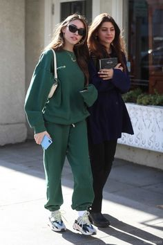 Madison Beer Style, Madison Beer Outfits, American Singers, Candid, Normcore, Fitness, Girls, Fashion, Diy
