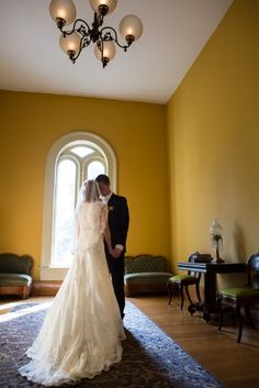 Wedding Day Bride and Groom First Look at the Historic Oaklands Mansion in Murfreesboro Tennessee.  #wedding #day #photo #bride #groom #photographer #nashville #tennessee #Oaklands #Mansion #romantic