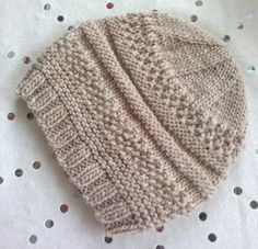 Ravelry - a simple knit hat - tutorial tricot bonnet Knitted Hats Kids, Knitting For Kids, Loom Knitting, Free Knitting, Knitting Projects, Knit Hats, Knitting Hats, Knit Baby Hats, Baby Hat Knitting Patterns Free