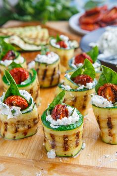 Grilled Zucchini Rollups Stuffed with Lemon-Basil Ricotta and Slow Roasted Tomat. - Grilled Zucchini Rollups Stuffed with Lemon-Basil Ricotta and Slow Roasted Tomatoes – - Comidas Lights, Canapes Recipes, Canapes Ideas, Recipes Dinner, Easy Canapes, Summer Appetizer Recipes, Gourmet Appetizers, Soup Appetizers, Party Recipes