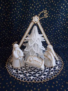 Crochet Christmas Decorations, Crochet Decoration, Christmas Crochet Patterns, Crochet Applique Patterns Free, Crochet Motif, Crochet Gifts, Handmade Christmas, Crochet Projects, Christmas Crafts