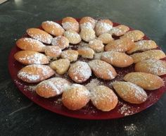 Financier minute (pour utiliser des blancs d'oeuf) - Expolore the best and the special ideas about Thirty one party Egg Recipes, Sweet Recipes, Dessert Recipes, Cupcake Recipes, Recipies, Dessert Party, Desserts With Biscuits, Mini Desserts, Dessert Biscuits