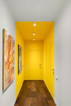 Interior Design Inspiration, Home Interior Design, Interior And Exterior, Interior Decorating, Interior Design Yellow, Interior Walls, Room Colors, Hallway Colours, Colorful Interiors