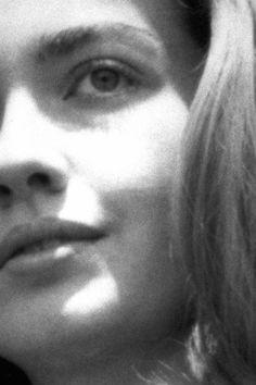 Hillary Clinton, role model, tells teen girls about her teen self. Hillary Clinton 2016, Hillary Rodham Clinton, Art Faces, Face Art, Articles For Kids, Wellesley College, Alma Mater, Teen Vogue, Snail Mail