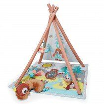 With a woodgrain-patterned structure, this baby gym has a whimsical outdoor feel. The printed mesh backdrop sets the ultimate campground scene, while the plush, sleeping bear tummy time pillow encourages developmental milestones. A light-up firefly, mu