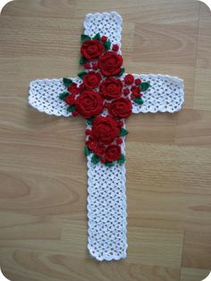 Wall Decor Crochet Pattern | ... for home decor: Crocheted Floral Cross Wall Art, free crochet patterns
