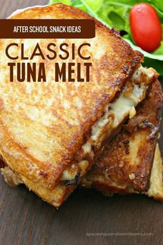 This Easy Classic Tuna Melt is So Yummy! - - This Easy Classic Tuna Melt is So Yummy! Recipes to Try Is it already time to start thinking about what to feed the kids when they get home from school? This classic tuna melt is one you'll want to try. Grilled Sandwich, Soup And Sandwich, Salad Sandwich, Tuna Melt Sandwich, Tuna Sandwich Recipes, Tuna Fish Recipes, Canned Tuna Recipes, Sandwich Bar, Meatloaf Sandwich