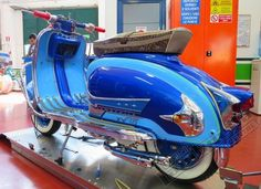Piaggio Scooter, Mod Scooter, Scooter Motorcycle, Vespa Lambretta, Motor Scooters, Vespa Scooters, Custom Vespa, Italian Beauty, Mod Fashion