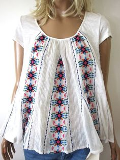 Anthropologie AKEMI & KIN Flowing White Cotton Boho Hippie Embroidered Top  #AKEMIKINAnthropologie #TUNIC