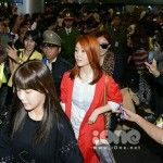 2,000 fans welcome T-ARA's arrival at the airport in Vietnam