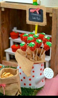 Cakepop strawberry shortcake
