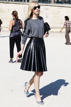 Leather Skirt Jane Keltner De Valle Style + DIY (lace trim attached to grey sweatshirt). Skirt Fashion, Love Fashion, Womens Fashion, Net Fashion, Fashion Moda, Fashion Heels, Petite Fashion, Paris Fashion, Super Moda