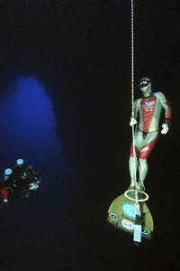 FII founder, Martin Stepanek training in the Blue Hole, Dahab prior to his 2008 World Record Freedive. www.martinstepanek.com