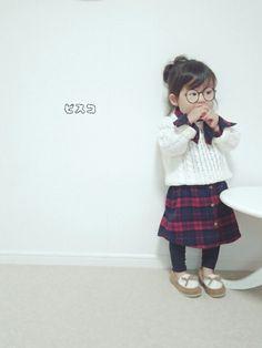 こんにちは~ピスコ☆兄妹です 本日は女子力高めコーデ♡ チェックシャツワンピ × ニット 西松屋で思