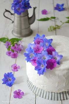Pourquoi je grossis ...                          : Frozen ... spring layer cake !  - Gâteau glacé à l...