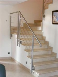 escalier droit marche en bois suspendu sans contremarche skystep verre clair et chene. Black Bedroom Furniture Sets. Home Design Ideas