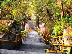 Know 5 Adventure Spots Near Banglore  Bangalore is the capital of Karnataka. It is a metropolitan city located in southern India on Deccan plateau. It is a very beautiful place if you want to relax and freshen you from the hectic working life. Let's discuss some adventurous trip places that can be visited near Bangalore: